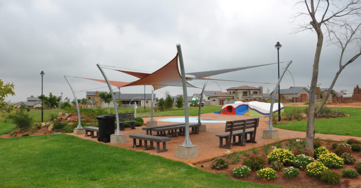 Shade sails in Owl Park