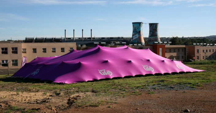 Love life stretch tent