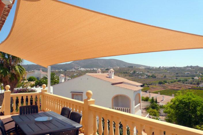 Balcony shade sail screen